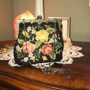 Vintage gorgeous crossbody bag
